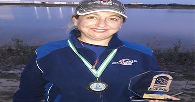 Nuestra pescadora Aurora Perez Gallardo se proclama Campeona Provincial de Agua Dulce  Damas, en el campeonato celebrado en   La Dársena de Cuarto – Lago Azul (Sevilla).